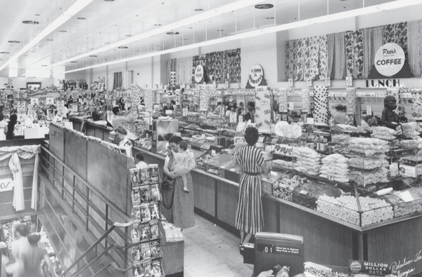 Shoppers in the candy aisle at J.J. Newberry during 1950. Reprinted from Vintage Tampa Storefronts and Scenes by John V. Cinchett, courtesy of USFSCL (pg. 43, Arcadia Publishing, 2012).