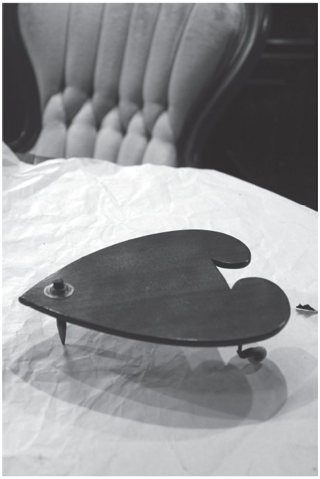 An early version of the planchette. Photo courtesy of Brandon Hodge at www.mysteriousplanchette.com.