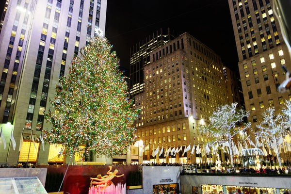 The Rockefeller Center Christmas tree in 2015. Image by Michael Vadon [CC-BY 2.0], via Flickr.