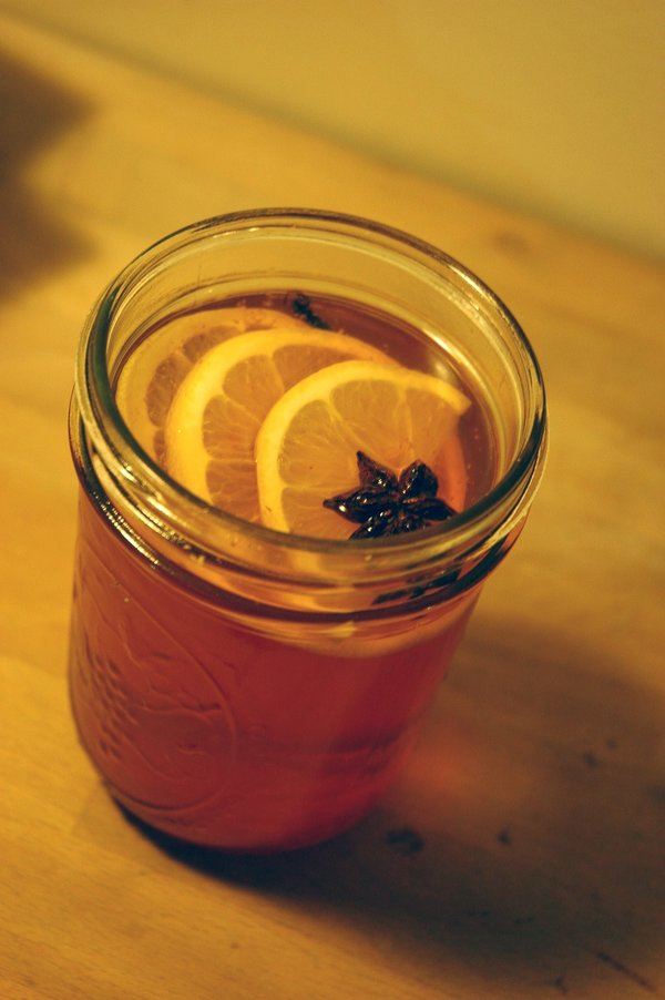 A Hot Toddy with lemon slices.