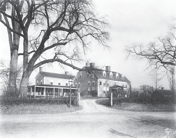 The Wayside Inn during the early 20th century.