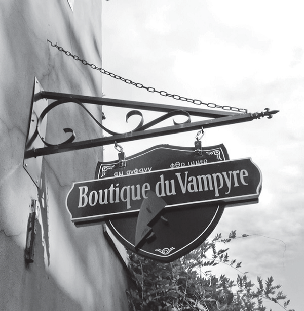 The Boutique du Vampyre street sign at 709 ½ St. Ann.