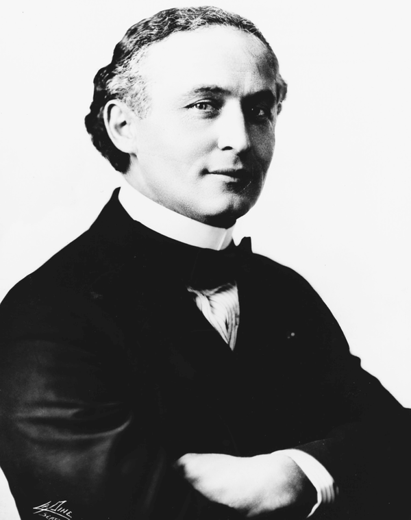 Harry Houdini was a popular Vaudeville act of the 20th century.