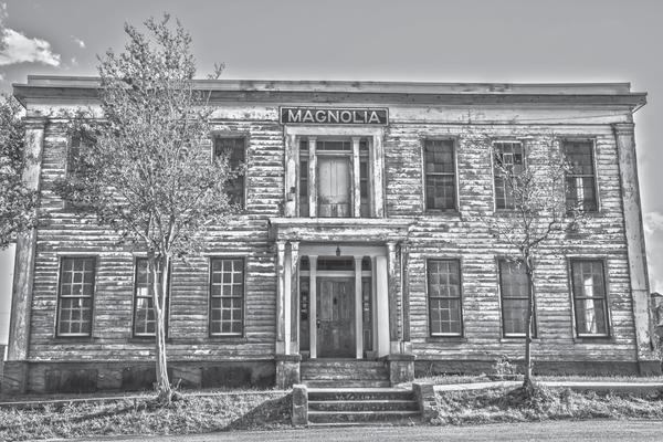 The Magnolia hotel before restoration.