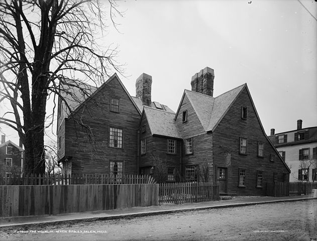2008-01-20 01:34 Dmoon1 512×383× (112236 bytes) The [[House of the Seven Gables]] in [[Salem, Massachusetts]], ca. 1915. Detroit Publishing Company Photograph Collection, Library of Congress Source: http://hdl.loc.gov/loc.pnp/det.4a24964